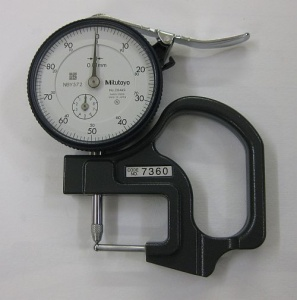 Dial micrometer to measure thickness of cane pocket model - A/42a